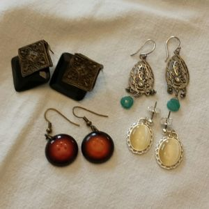 Pack of four sets of earings